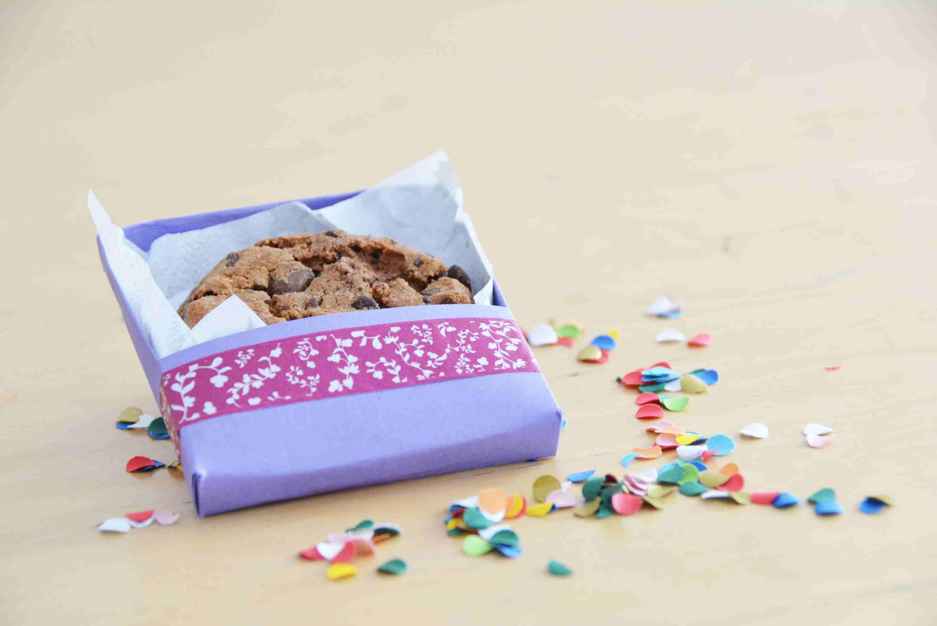 Laden Sie sich hier Bastelanleitung für Keksschachtel herunter